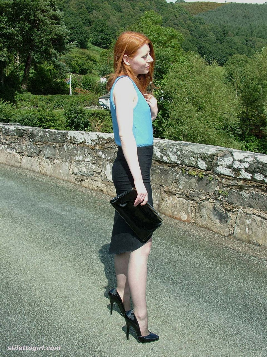 naked redhead in nylons